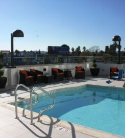 Holiday Inn Express North Hollywood