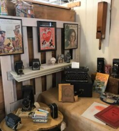 Off the Common Antiques Marketplace